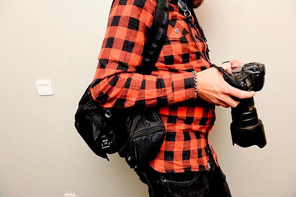 Valokuvaaja kameroineen